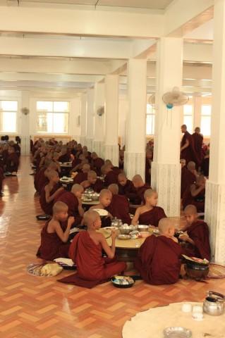 le repas des moines
