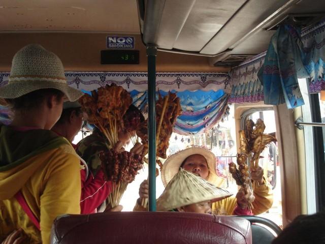 Pause snack dans le bus