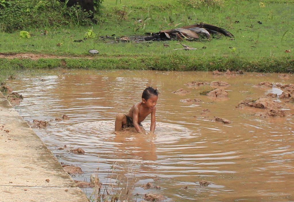 bataille de boue dans les rizières