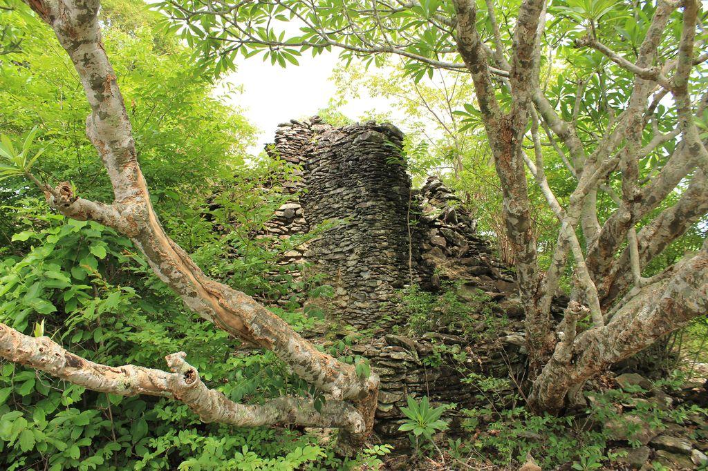 vestige du Stupa de Phou Asa