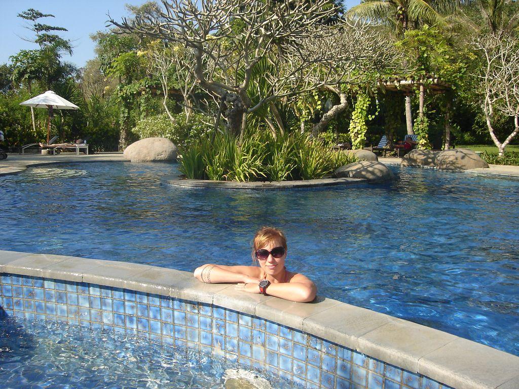 une piscine avec vue sur mer...pas mal!